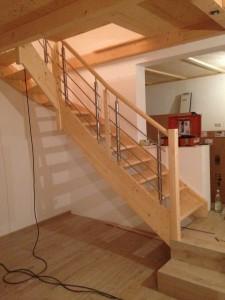 Treppe in Fichte - Projekte der Lifestyle-Tischlerei in Tannheim