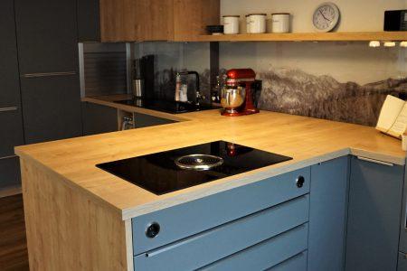Nolte Küche in Chalet Eiche mit Quarzgrau matt kombiniert